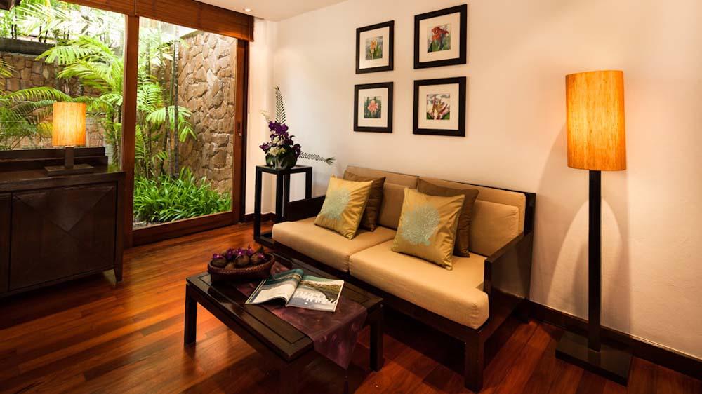 indiv-suite-template-junior-suite-courtyard-0002-layer-5_orig